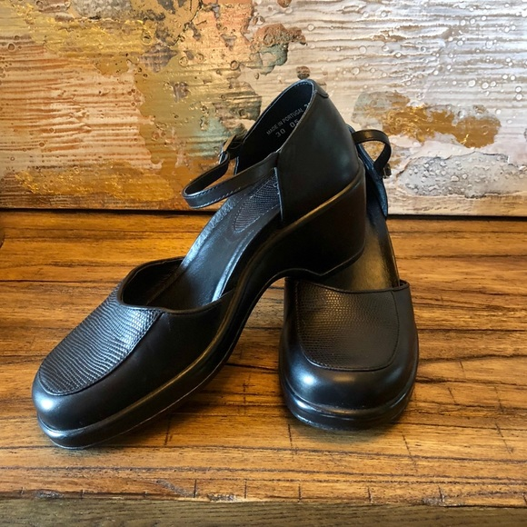 Comfort Shoes Dansko Womens Size 37 Black Mary Jane Pumps Ankle Buckle Strap Made In Portugal Women's Shoes